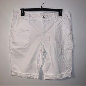 Jaclyn Smith White Shorts, sz 18